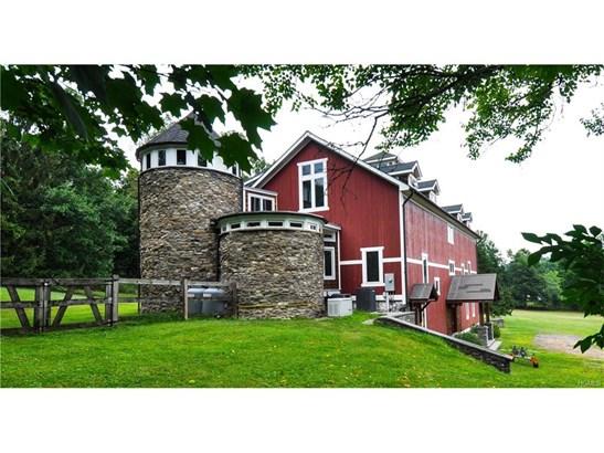 Arts&Crafts,Converted Barn, Single Family - Chester, NY (photo 1)