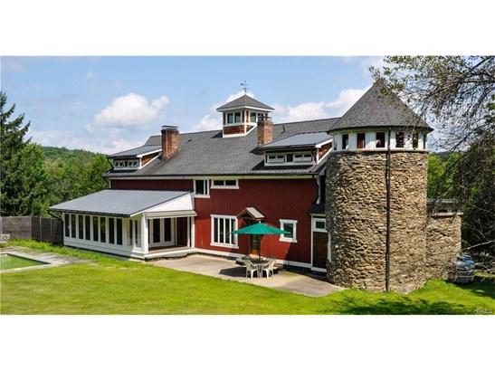 Arts&Crafts,Converted Barn, Single Family - Chester, NY (photo 4)