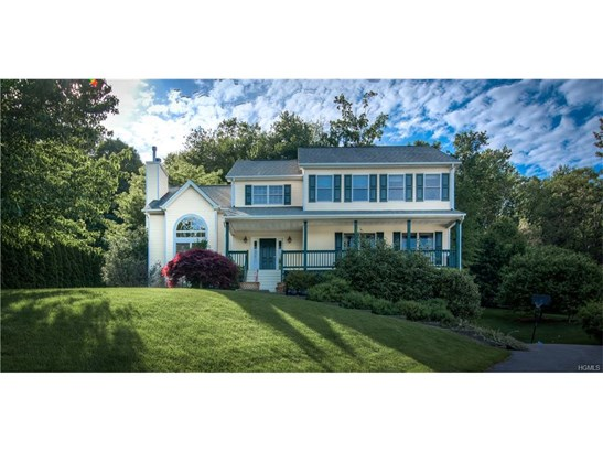 Colonial,Contemporary, Single Family - Chestnut Ridge, NY (photo 1)