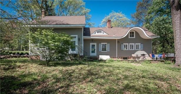 Colonial,Farm House, Single Family - Pearl River, NY (photo 5)