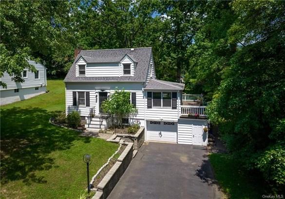 Single Family Residence, Cape - Nyack, NY