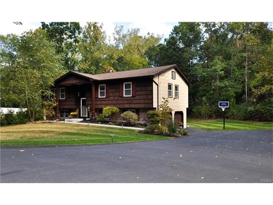 Bilevel,Raised Ranch, Single Family - Pomona, NY (photo 1)