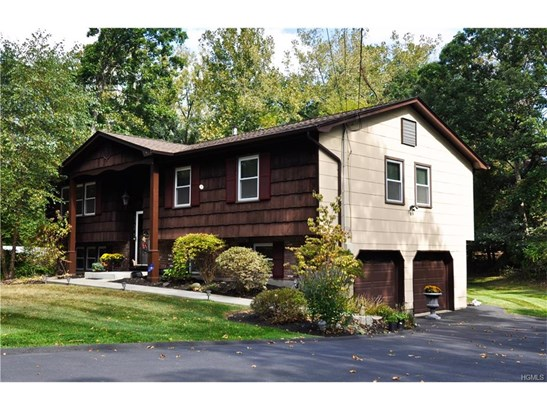 Bilevel,Raised Ranch, Single Family - Pomona, NY (photo 2)