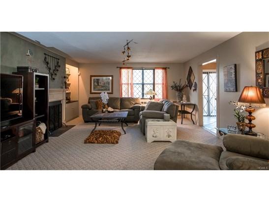 Condominium, Apartment - Valley Cottage, NY (photo 1)