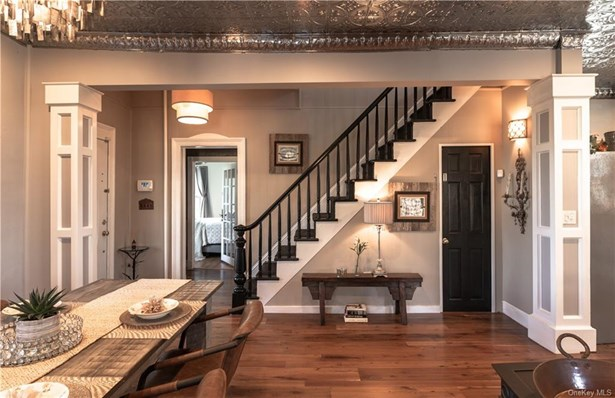 Single Family Residence, Colonial - Clarkstown, NY