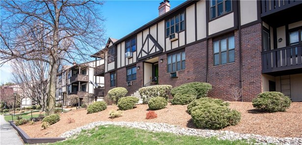 Condominium, Garden Apartment - Valley Cottage, NY (photo 2)