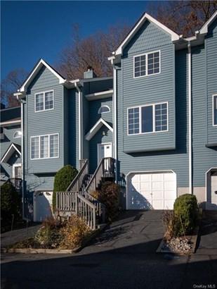 Townhouse, Condominium - Orangetown, NY