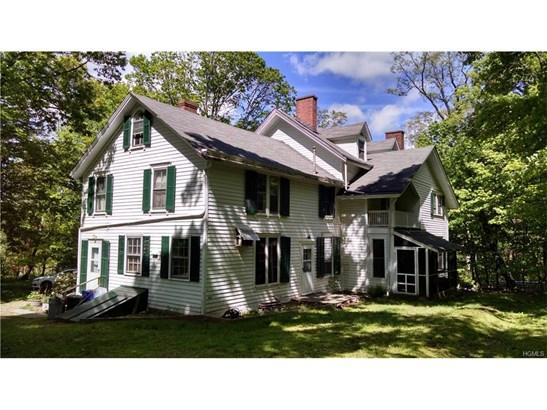 Colonial,Farm House, Single Family - West Nyack, NY (photo 2)