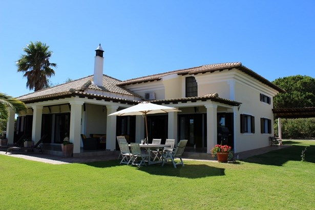 Villa in Caramujeira with seperate 2 bedroomed Cottage Foto #3 (photo 3)