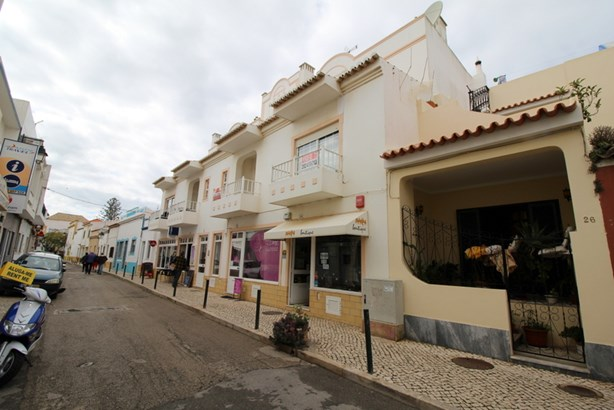 TWO BED APARTMENT IN CENTRAL ALVOR Foto #1 (photo 1)