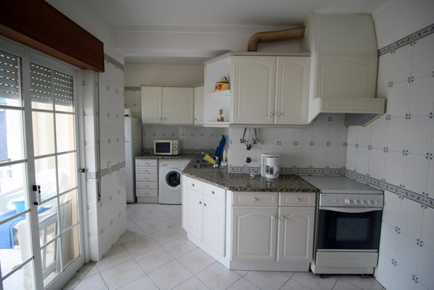 TWO BED APARTMENT IN CENTRAL ALVOR Foto #3 (photo 3)