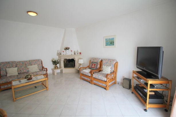 TWO BED APARTMENT IN CENTRAL ALVOR Foto #4 (photo 4)
