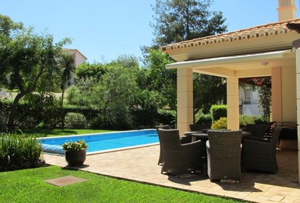 3 bedroom detached villa in a Golf course  Foto #2 (photo 2)