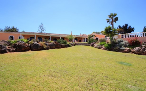 Lovely spacious villa with guest cottage - Portimão Foto #3 (photo 3)
