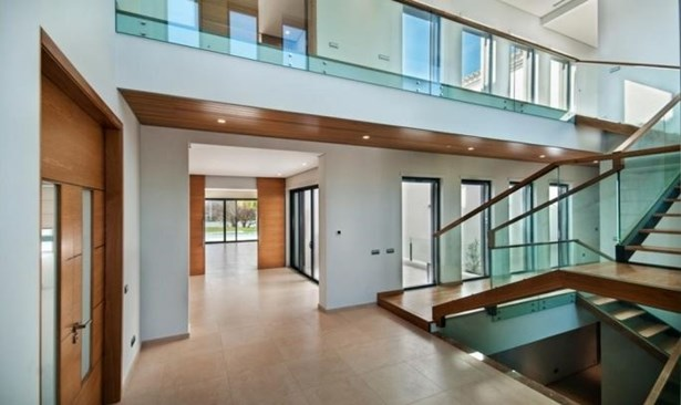 Modern Lake View 5 Bedroom Villa Foto #4 (photo 4)