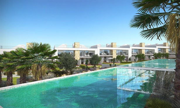 Luxury villas with private pools on an exclusive condominium Foto #1