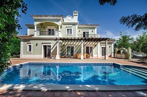 Luxury 4 Bed Villa Near Prestigious Resort Foto #1 (photo 1)