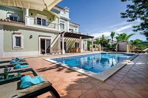 Luxury 4 Bed Villa Near Prestigious Resort Foto #2 (photo 2)