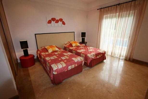 Luxury 4 Bed Villa Near Prestigious Resort Foto #5 (photo 5)