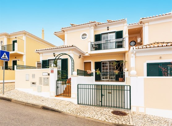 Lovely 3 Bedroom Townhouse with Castle Views! *Reduced Price!* Foto #1 (photo 1)