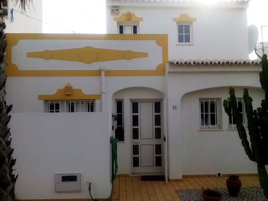 LOVELY 2 BED TOWNHOUSE IN GREAT LOCATION Foto #1 (photo 1)