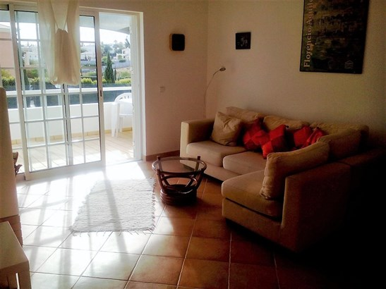 LOVELY 2 BED TOWNHOUSE IN GREAT LOCATION Foto #3 (photo 3)