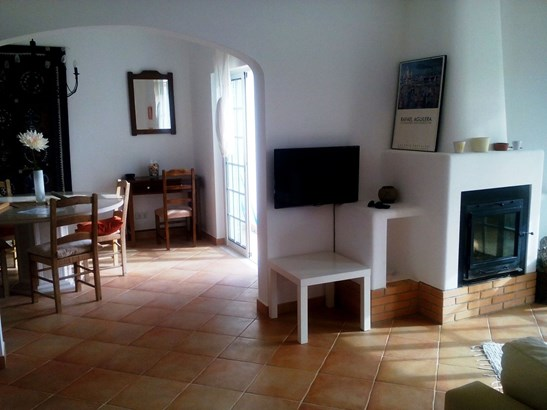 LOVELY 2 BED TOWNHOUSE IN GREAT LOCATION Foto #5 (photo 5)