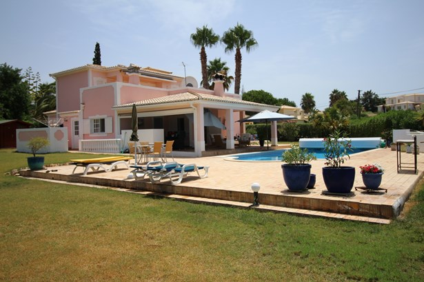Beautiful 4 Bed Villa in Prestigious Area  Foto #1 (photo 1)