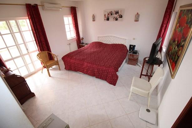 Beautiful 4 Bed Villa in Prestigious Area  Foto #4 (photo 4)