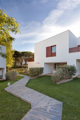 Serviced Contemporary Townhouses in Albufeira Foto #1 (photo 1)