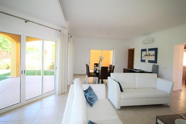 Fantastic 4 Bedroom Mediterranean Style Villa For Sale Foto #2 (photo 2)
