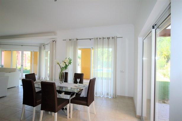 Fantastic 4 Bedroom Mediterranean Style Villa For Sale Foto #3 (photo 3)