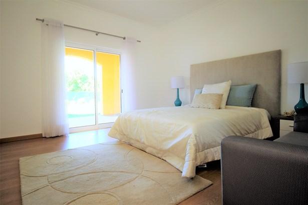Fantastic 4 Bedroom Mediterranean Style Villa For Sale Foto #4 (photo 4)
