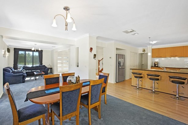 2 Empire Drive, Mooroolbark - AUS (photo 3)