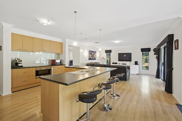2 Empire Drive, Mooroolbark - AUS (photo 4)
