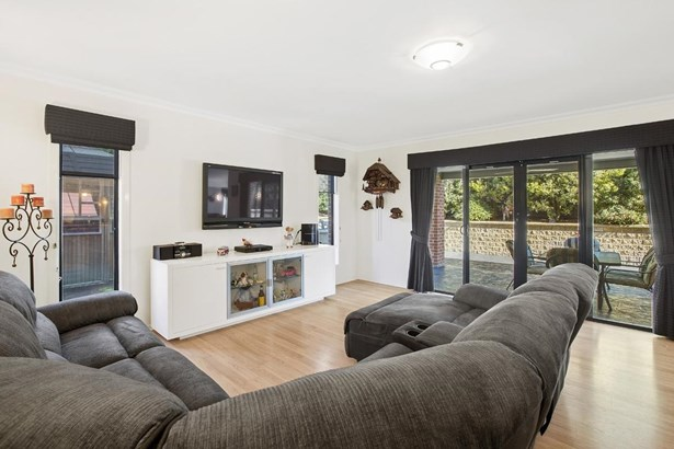 2 Empire Drive, Mooroolbark - AUS (photo 5)