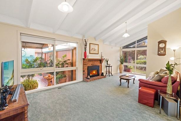 35 Ashcombe Drive, Ringwood - AUS (photo 2)