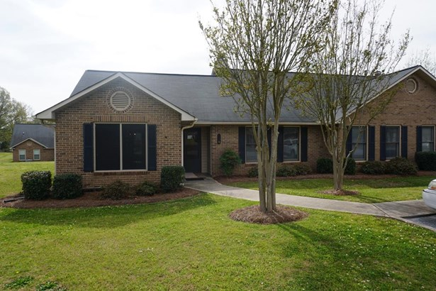 Condo/Townhouse, Traditional - Greenwood, SC (photo 1)