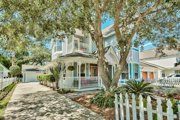 Detached Single Family, Victorian - Destin, FL