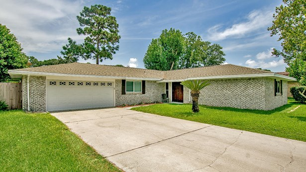 Detached Single Family, Ranch - Shalimar, FL (photo 2)