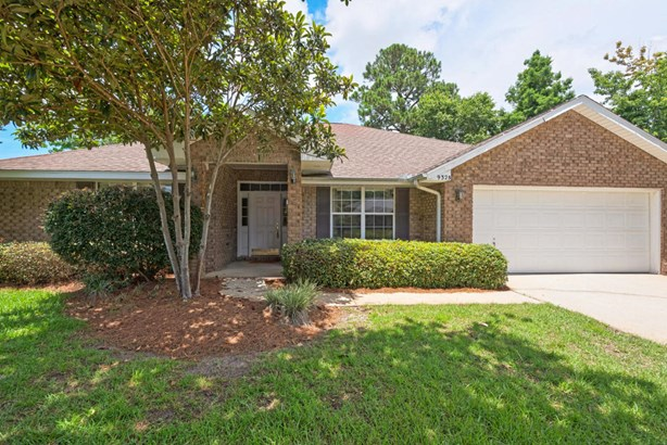Detached Single Family, Ranch - Navarre, FL (photo 1)