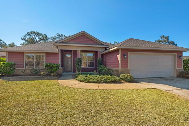 Detached Single Family, Craftsman Style - Navarre, FL (photo 1)