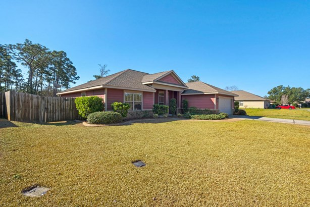 Detached Single Family, Craftsman Style - Navarre, FL (photo 2)