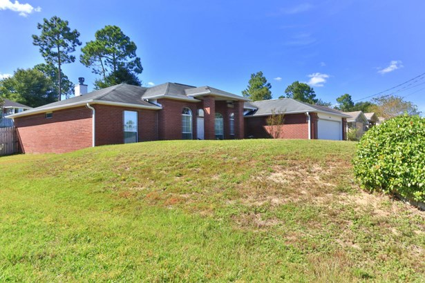 Detached Single Family, Contemporary - Crestview, FL (photo 2)