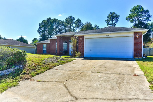 Detached Single Family, Contemporary - Crestview, FL (photo 3)