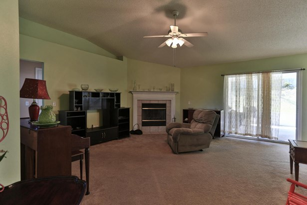 Detached Single Family, Contemporary - Crestview, FL (photo 4)