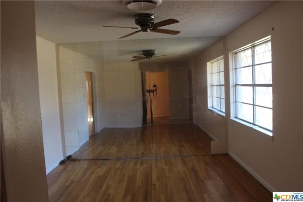 Traditional, Single Family - Copperas Cove, TX (photo 4)
