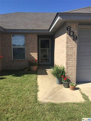 Traditional, Single Family - Harker Heights, TX (photo 2)