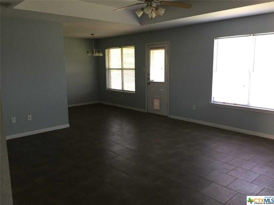 Traditional, Single Family - Harker Heights, TX (photo 4)