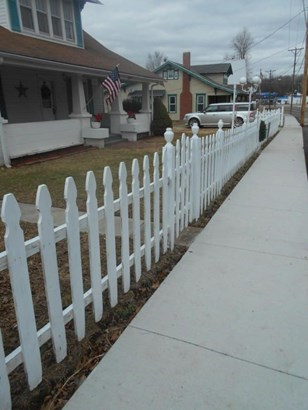 205 North Calhoun Avenue, Ash Grove, MO - USA (photo 5)